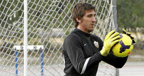 Julián firmará tres años con el Almería.