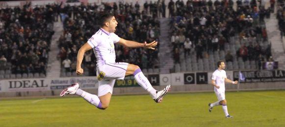 Jona celebra uno de sus goles con el Jaén.