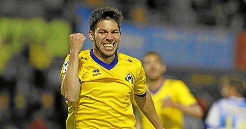 Dani Pacheco celebra un gol con el Alcorcón.