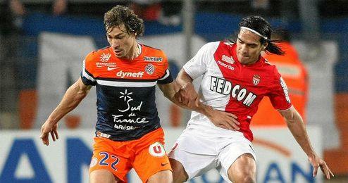 Stambouli, junto a Falcao, en un choque de la Ligue 1.
