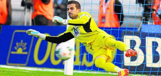 Javi Varas durante el partido ante el Celta de la pasada campaña.