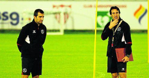 Diego Martínez con Emery en uno de los entrenamientos de esta temporada
