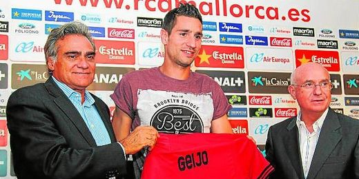Gabriel Cerdá y Serra Ferrer, en la imagen separados por Álex Geijo, hacen públicas sus diferencias