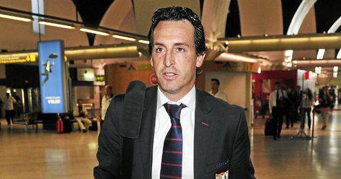Unai Emery, en uno de los viajes con el Sevilla.