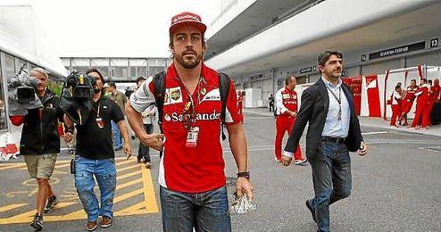 Alonso en el ´paddock´ de Suzuka.
