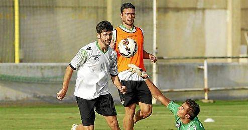 Caro y Jorge Molina, en un entrenamiento; viajan a Valladolid.