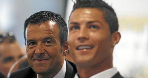 Jorge Mendes tras su representado, Ronaldo