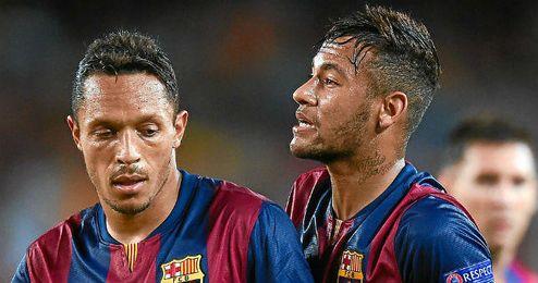 Adriano y Neymar en el partido de Liga de Campeones frente al Apoel.