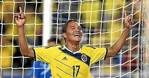 Bacca celebra uno de sus goles ante El Salvador.