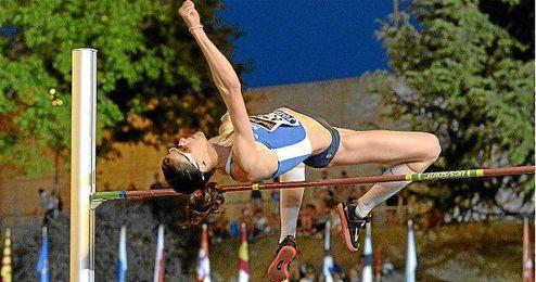 La atleta vasca en un salto del último Campeonato de España.