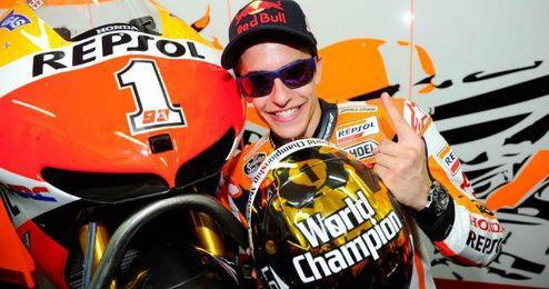 Márquez, con tan solo 21 años, se ha convertido en bicampeón del Mundo en MotoGP.