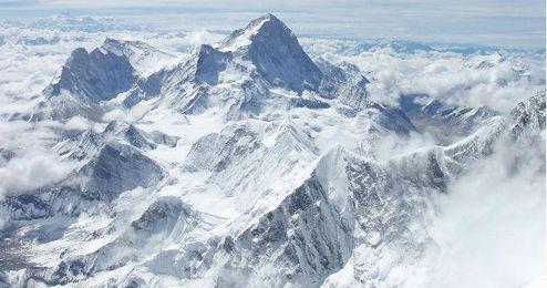 Los amantes del montañismo acuden al Himalaya ya que es temporada alta en este lugar.