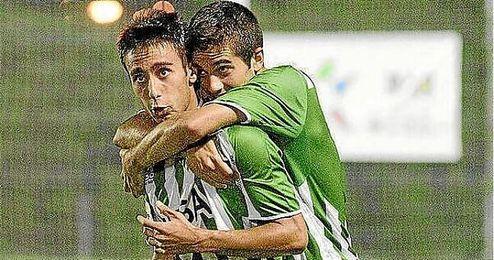 Rafa Navarro es un imprescindible en el once de Juan Merino.