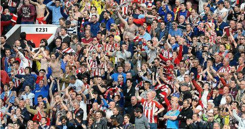 Unos 2.500 aficionados acompañaron al Sunderland en Southampton.
