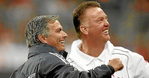 Van Gaal y Mourinho son viejos conocidos.