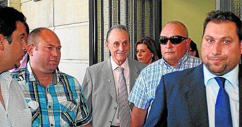 Manuel Ruiz de Lopera, a la salida de los juzgados de Sevilla, donde tiene varias causas pendientes.