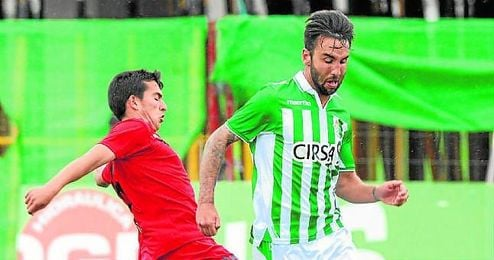 En la imagen, lance del último ´derbi chico´ oficial, el Betis-Sevilla Atlético de la 12/13, que finalizó 0-0.