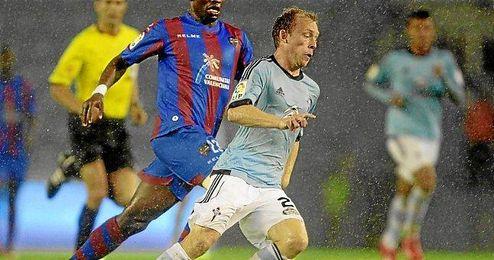 El jugador danés en un partido ante el Levante.