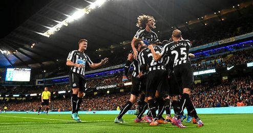 Los jugadores del Newcastle celebran uno de los goles conseguidos