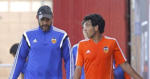 Nuno junto a Parejo en un entrenamiento.