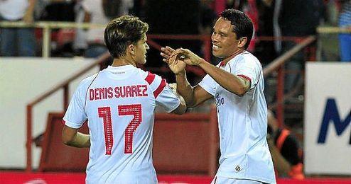 Denis Suárez y Bacca probarán las fuerzas de este Sevilla que aspira a lo más alto.