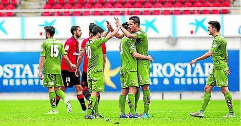 La victoria de los asturianos en Palma de Mallorca evitó que la jornada fuera perfecta para el Betis.