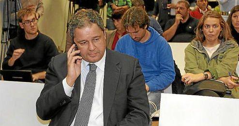 Tino Fernández, presidente del Deportivo, en la reunión de seguridad del CSD.