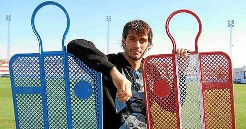 Alejandro Arribas posa para ESTADIO Deportivo en la ciudad deportiva José Ramón Cisneros Palacios.