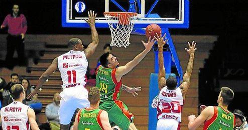 El Baloncesto Sevilla se aseguró la clasificación matemática tras su victoria frente al SLUC Nancy, a falta de una jornada de la primera fase.