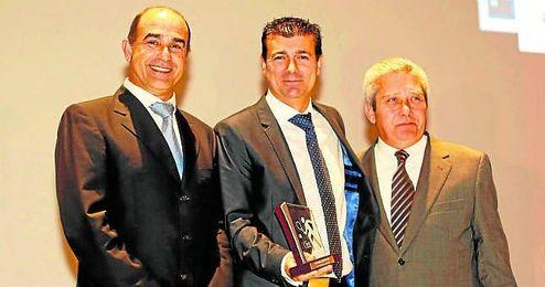 El director editorial de ESTADIO, Joaquín Adorna, fue el encargado de recoger el galardón.