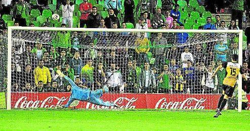 David López falló el penalti decisivo en la tanda copera del pasado octubre.
