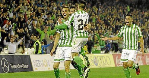 Rennella celebra su gol ante el Mallorca.