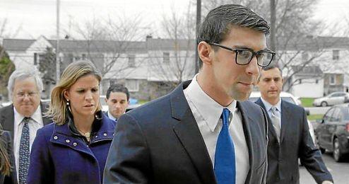 Michael Phelps, a la entrada a los juzgados en Baltimore.