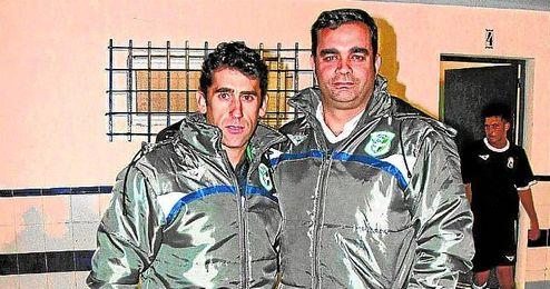 Paco Gallardo y Pablo del Pino posan para ESTADIO en el Municipal de Bellavista.