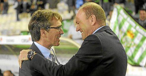 El Betis decidirá este lunes entre Vázquez o Mel.