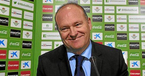 Pepe Mel durante su presentación como nuevo entrenador del Real Betis.