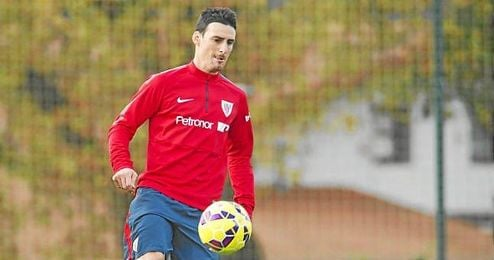 Aduriz, durante un entrenamiento del Athletic.