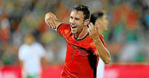 Layun celebra un gol en el amistoso Bolivia-México.