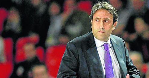 Luis Casimiro podría recalar en Sevilla para comandar el barco del CB Sevilla.