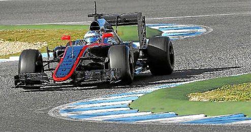 Fernando Alonso, sobre su nuevo McLaren en Jerez.