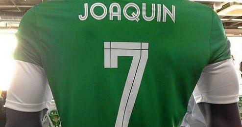 La camiseta de Joaqu�n ya est� a la venta en la tienda del Betis.