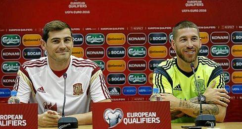 Casillas y Ramos durante la rueda de prensa de este lunes.