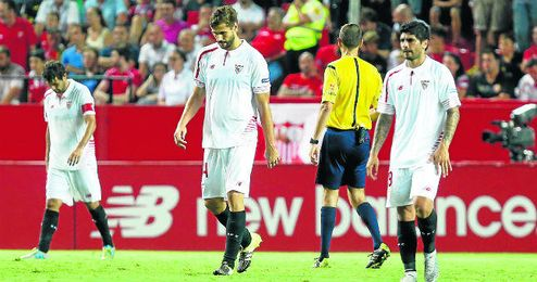 Banega se sumará al club de los mejores pagados, donde sobresale Llorente.