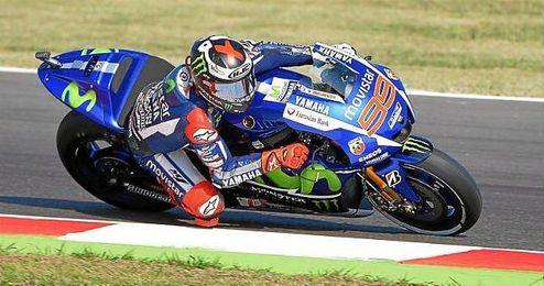 Valentino Rossi (Yamaha YZR M 1) acabó tercero.