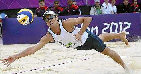 En la imagen Emmanuel Rego, que ser� suplente en los Ol�mpicos con su pareja, Ricardo Santos.
