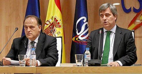 Tebas y Cardenal están muy contentos con los datos que han facilitado sobre la deuda.