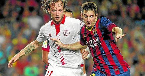 Rakitic, durante el partido de la jornada 4 de la 13/14 contra el Barcelona.