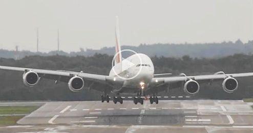 Aterrizaje cruzado de un A380