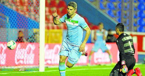 Salva Sevilla anotó en aquel Levante-Betis.
