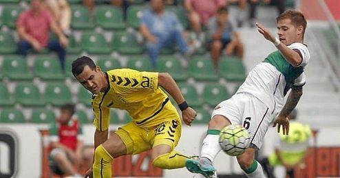 Isidoro en el partido contra el Oviedo.